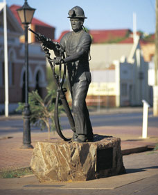 Miners Monument - Sunshine Coast Tourism