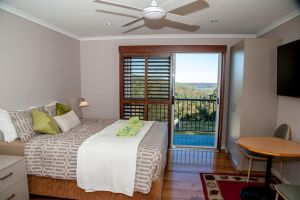Sinclairs Country Retreat - Sunshine Coast Tourism